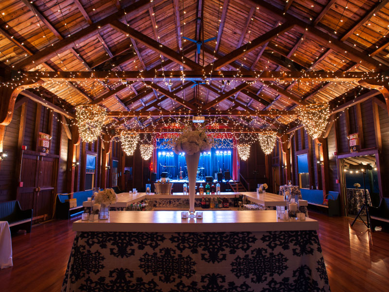Seaside Chic at Kennebunk River Club | Photo: CA Smith | See more at www.localhost/beautifuldays
