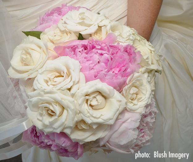 Spruce-Point-Inn-Wedding-Flowers